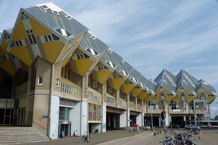 1024px-Rotterdam_Cube_House_street_view