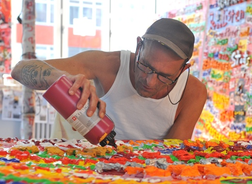 Artist Clemens Wedel at work. Photo by Daniel Biskup